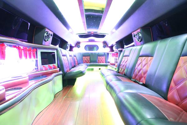 14-passenger-hummer-SUT-limousine-interior-1