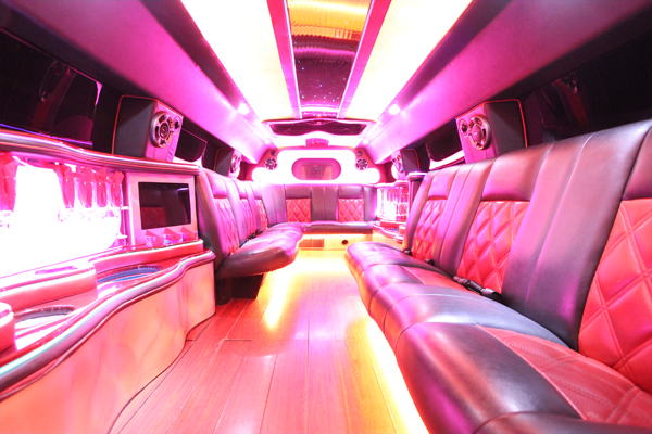 14-passenger-hummer-SUT-limousine-interior-2