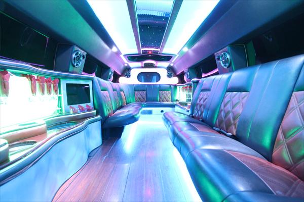 14-passenger-hummer-SUT-limousine-interior-3